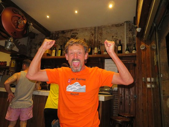 Guell Tapas: A mad Englishman celebrating England's first ever world cup penalty win !!!
