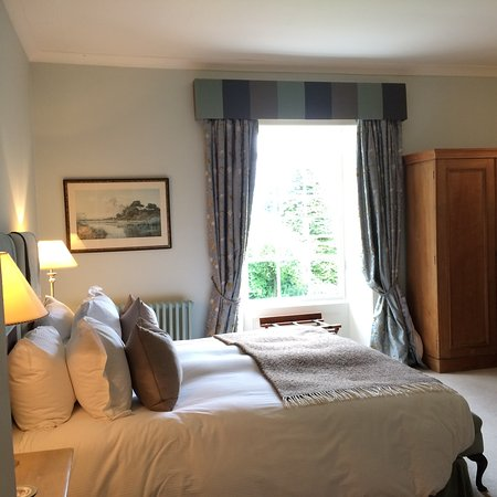 Wheathill, UK: Blue room - so comfortable