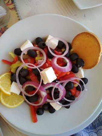 Budva Municipality, مونتينيغرو: greek salad