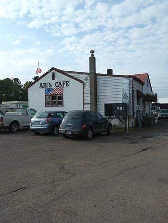 Art's Cafe: Quaint building in small town Minnesota!