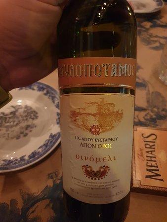 Ωραιο φαγητο κ εξαιρετικο κρασι
