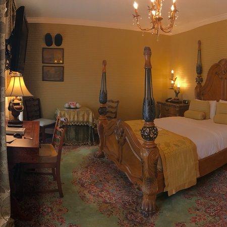 1840s Carrollton Inn: photo1.jpg
