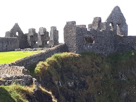Dunluce Castle: ruínas