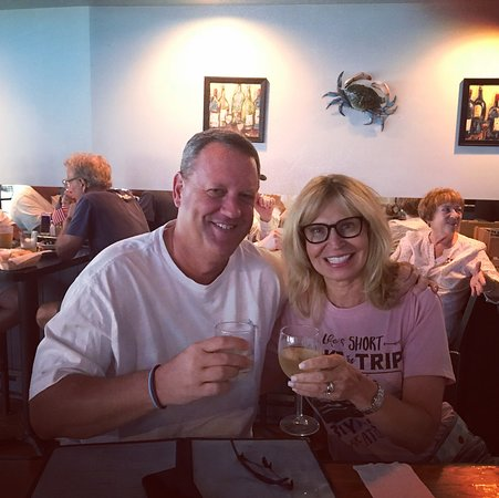 Uncle Vinnie's Clam Bar: The absolute closest seafood restaurant to the jersey shore. Crazy big wine by the glass menu and the freshest food made in front if you. Eating at the bar a must for party of 2!