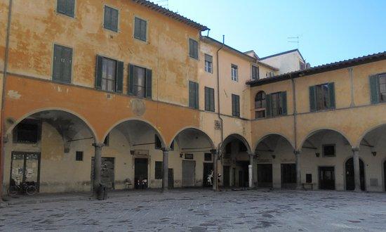 """Borgo Stretto : Эта """"площадь-""""обжорка"""" тоже смысловая часть БС"""