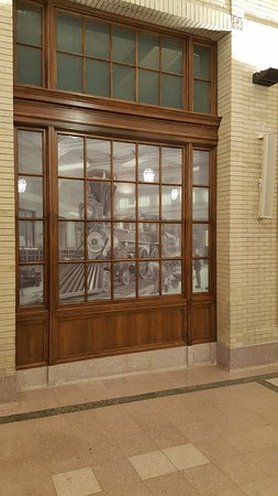 Union Depot : Old photograph in window