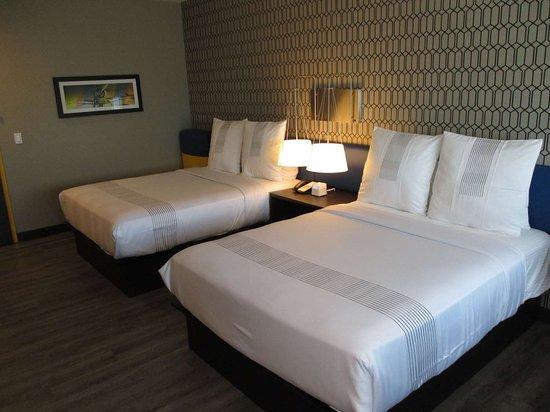 DeSoto, Техас: Double Queen Guest Room with Gel Top Bed