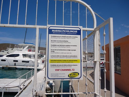 Baja California Sur, Mexico: Club Cantamar marina rules / reglas de marina