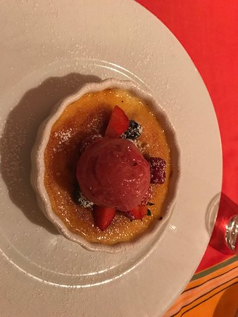 The Chart House: Creme Brulee Yum!