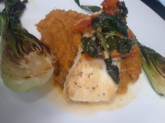 Rochester, IN: Wow, scallops, tomahawk Ribeye, Halabut,  and blue fish, all week end  features