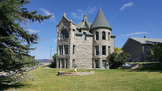 White Sulphur Springs, Montana: Castle