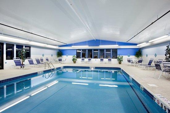Rochelle, IL: Pool