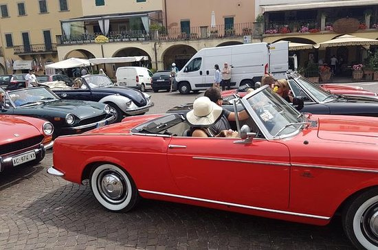 Self Drive Tour of Volterra in Classic...
