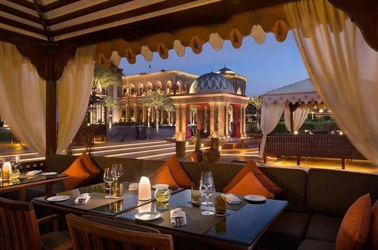 アブダビのエミレーツ宮殿を体験
