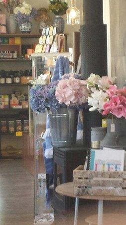 Surat, Australia: lots of pretty gift ideas