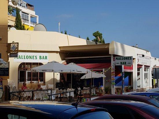 Mallones Bar