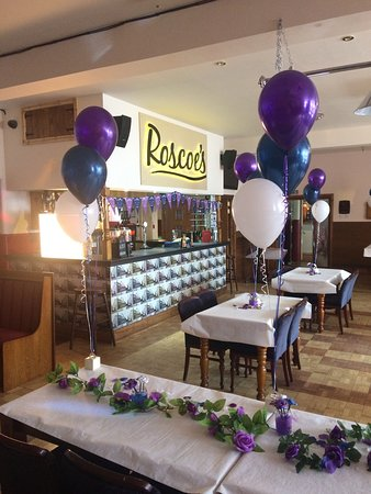 Roscoe's Bar