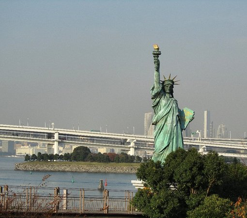the statue of liberty in tokyo 台場 お台場の写真 トリップ
