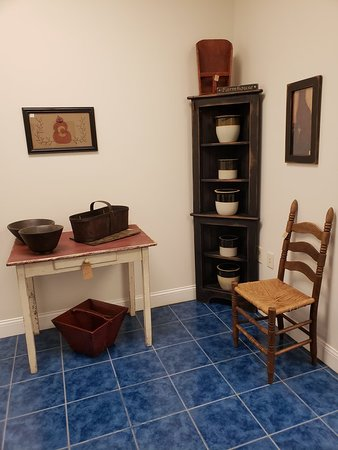 Ranson, Virginia Occidental: Two Crows Antiques & Primitives