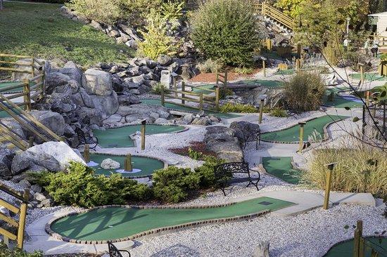 South Lee, MA: Recreation