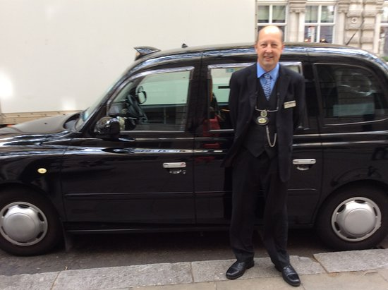 London Black Taxi Tours: Michael Churchill with his taxi
