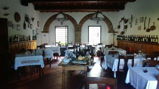 Portico di Romagna, Italy: Sala da pranzo