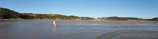 Tredrez-Locquemeau, France : spiaggia a 800 metri circa