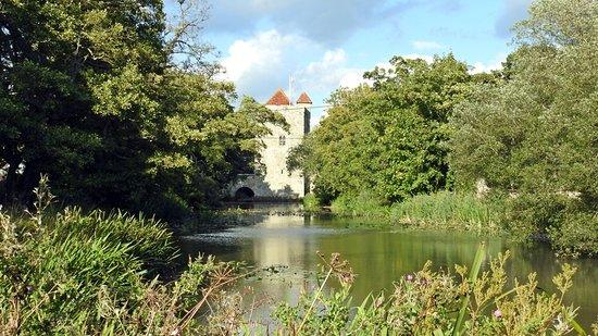 Arlington, UK: Gatehouse and moat