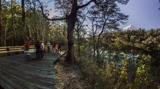 Alsur Expediciones: Nuestra maravillosa base a orillas del rio Petrohue al final de la actividad.
