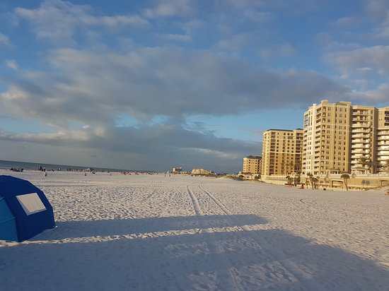 Clearwater Beach: very clean