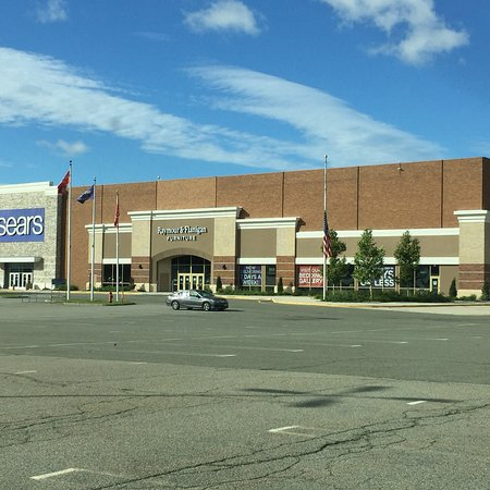 Rockaway, Nueva Jersey: Lord & Taylor, Macy's, JCPenney and Sears plus many smaller stores.