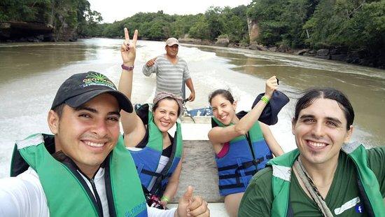 San Jose del Guaviare, Colombia: Ruta RUPESTRES: terminando la tarde en raudal del Guayabero