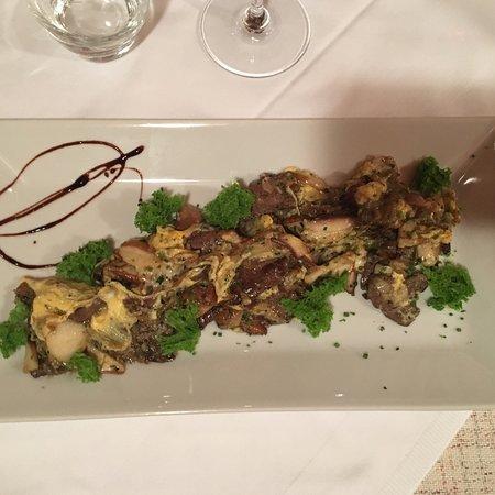 Domzale, Словения: Fegato grigliato con cipolle, unito a funghi mantecato con uovo. ⭐️  Cheese cake scomposta 💯