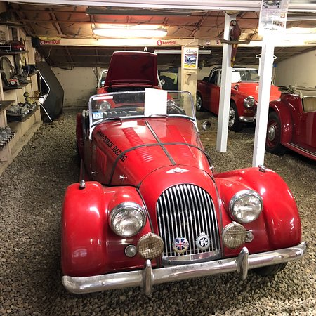 Toad Hall Classic Sports Car Museum: photo1.jpg