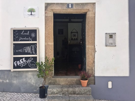 Monchique, Portugalsko: Shop front