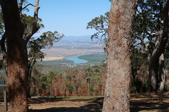 Ρόκχαμπτον, Αυστραλία: View looking back over Rockhampton from Mt Archer