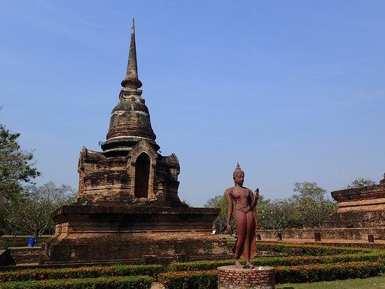 Sukhothai Historical Park: Le Bouddha marchant