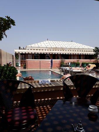 Riad Bahia Salam: Piscine en terrasse