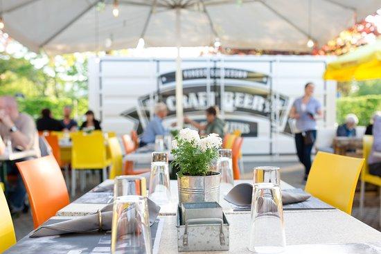 Restaurant Bahnhofli: Grosse Gartenbeiz