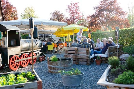 Restaurant Bahnhofli: Openair Lounge