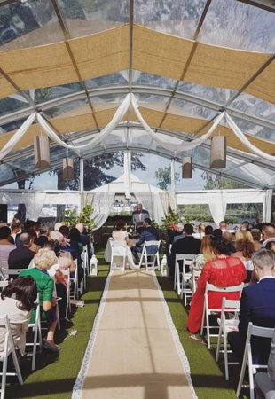 Coolbawn, Ireland: Ceremony