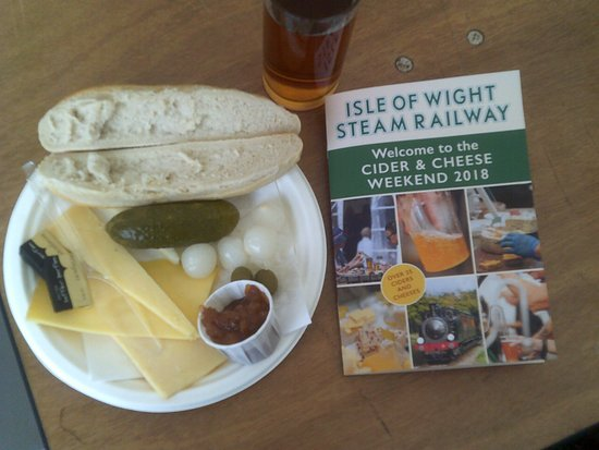 Wootton, UK: 2nd Isle of Wight Cheese and Cider Festival at Haven Street Station 22/09/2018