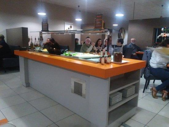 Saint-Etienne-de-Saint-Geoirs, ฝรั่งเศส: Buffet salades et plals froids