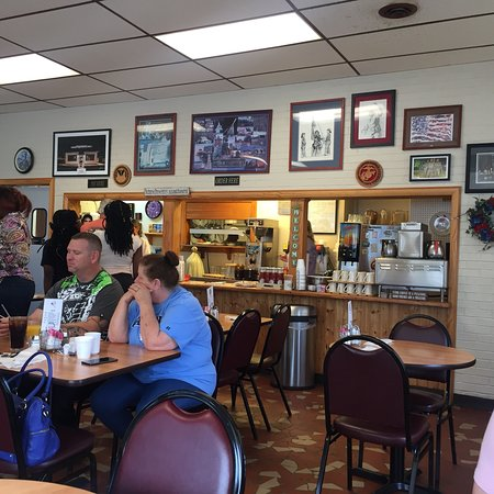 Harold & Cathy's Dumfries Cafe: photo1.jpg