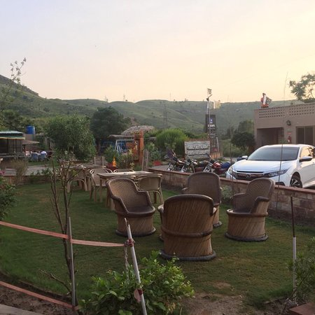 Kallar Kahar, Pakistan: Escape-Picnic Place