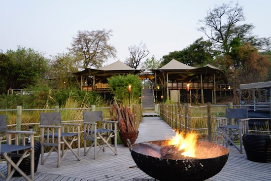Linyanti Reserve, Botsuana: enjoyed the fire pit and star gazing