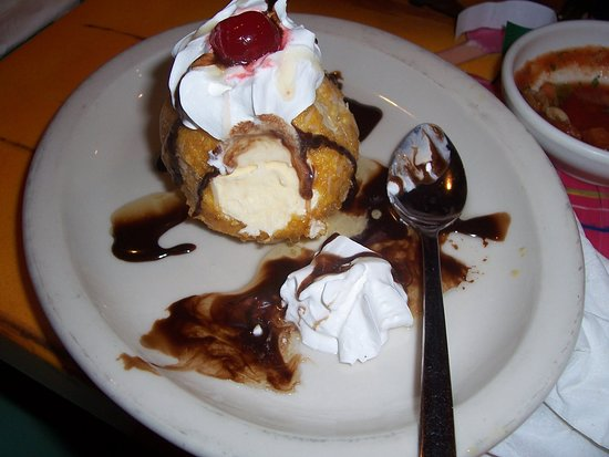 Hibbing, MN: Their fried ice cream was excellent. And everything else.