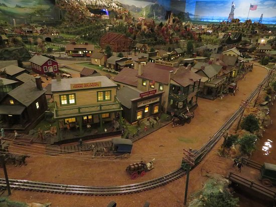 Shartlesville, PA: A town in the Old West with horses and wagons