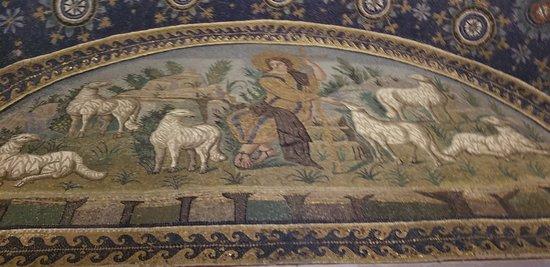 Mausoleo di Galla Placidia: The details are superb!