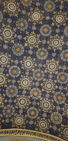 Mausoleo di Galla Placidia: The colors are exquisite! Quite remarkable considering how old they are!
